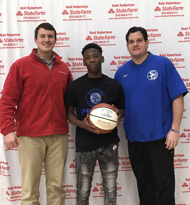 Congrats to Dee Williams for being selected as State Farm Player Of The Week! Dee had 18 pts in our road win at Marianna and 16 pts in our home game against Dermott Last week. He also had 6 Rb and 4 assist at Marianna !! #FASTER