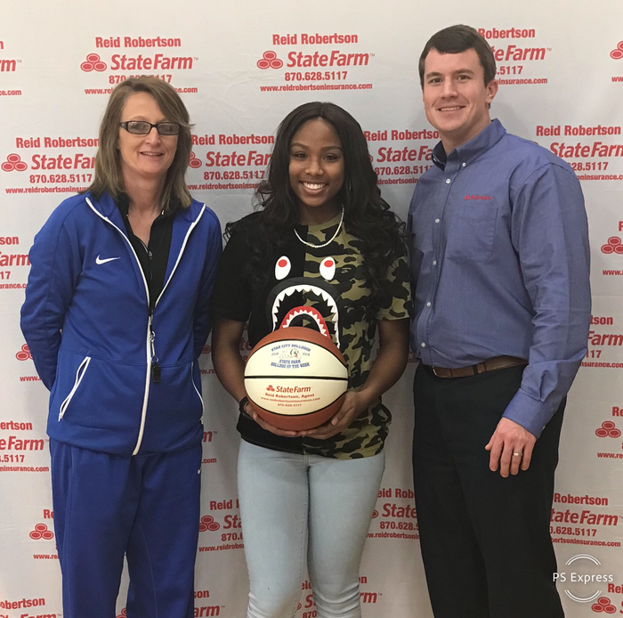 Congratulations to Breanna Grayson for being selected State Farm player of the week for the Lady Dogs! Breanna had 16pts 10 rbs at Camden and 20 pts 11rbs against Dumas!!