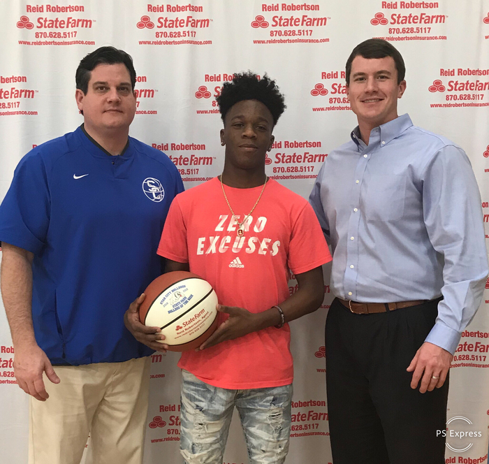 Congrats to Zavon Blackmon for being selected as State Farm Player Of The Week! Zavon had 8 pts in our home win against Warren. Zavon also had 2 charges and 0 Turnovers!! #FASTER